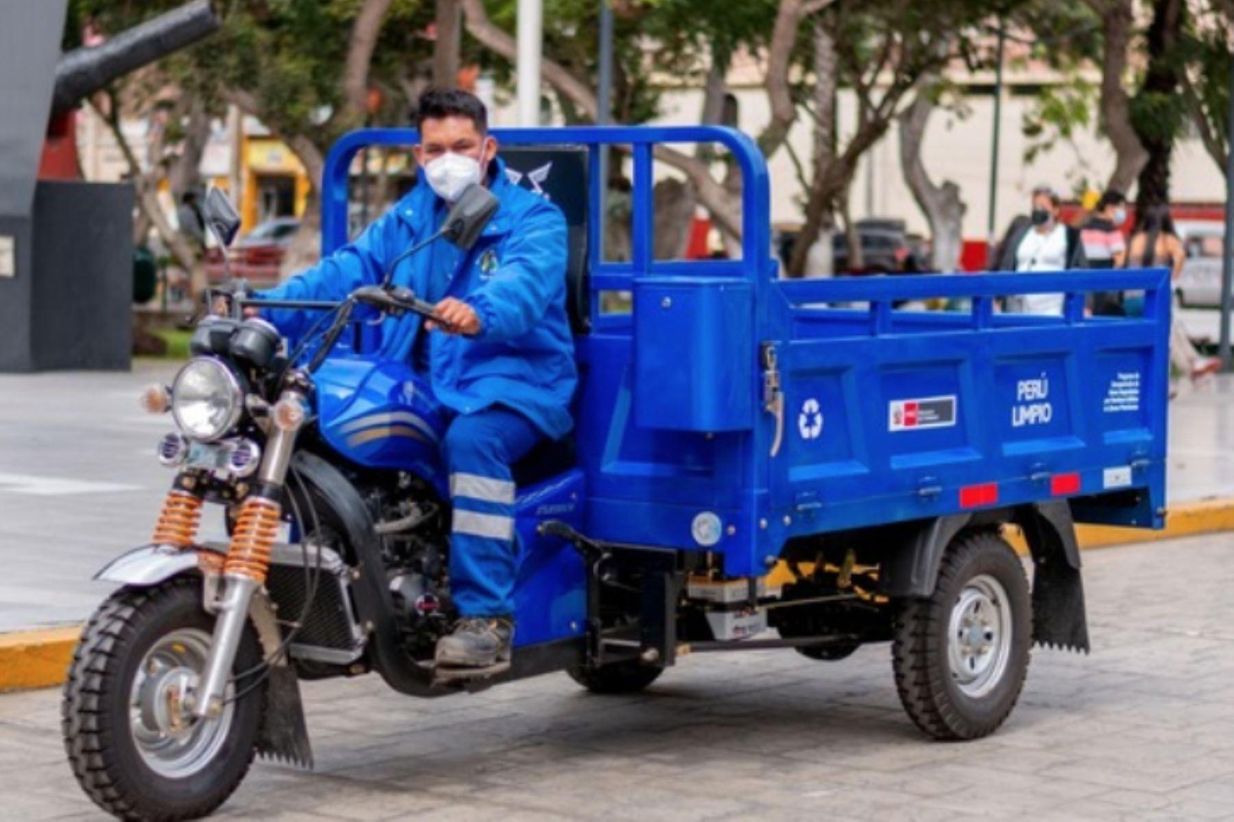 Los recicladores de las municipalidades efectúan una labor fundamental de emprendimiento y de servicio a la comunidad. Foto: ANDINA/Minam