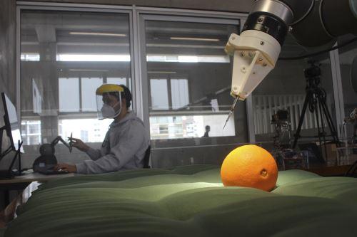 Este sistema no es un robot autónomo, será teleoperada por el médico a través de unos joysticks con tecnología háptica. (Fotos: UTEC)