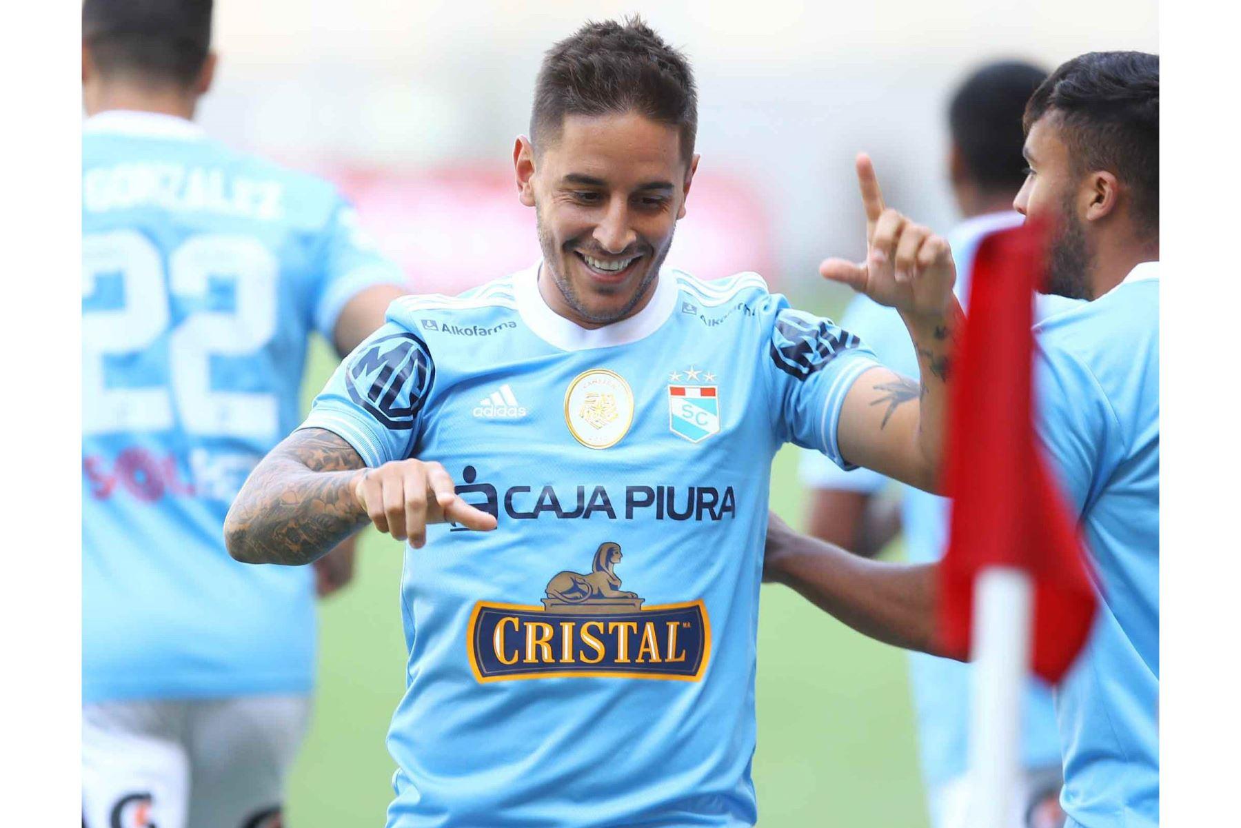 Alejandro Hohberg  de Cristal  celebra su gol anotado ante Alianza Lima  por la sexta fecha de la fase 1, en el estadio Nacional .  Foto: Liga 1