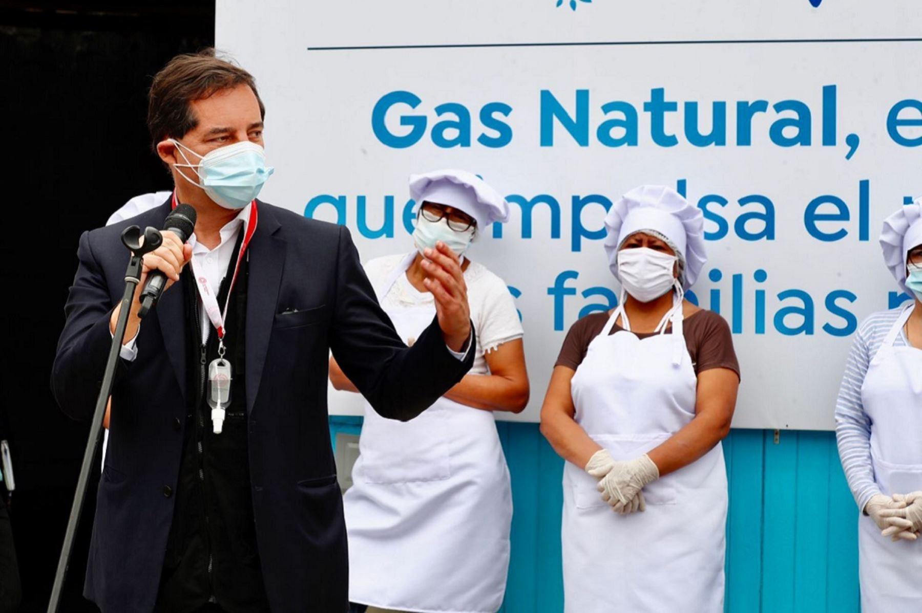 Ministro de Energía y Minas, Jaime Gálvez, en inauguración del programa BonoGas para comedores populares. Foto: Cortesía.