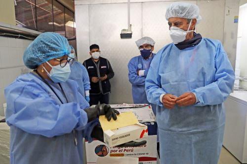 El Presidente Sagasti, supervisó el protocolo de cadena de frío para vacunas contra la covid-19 en Huaraz