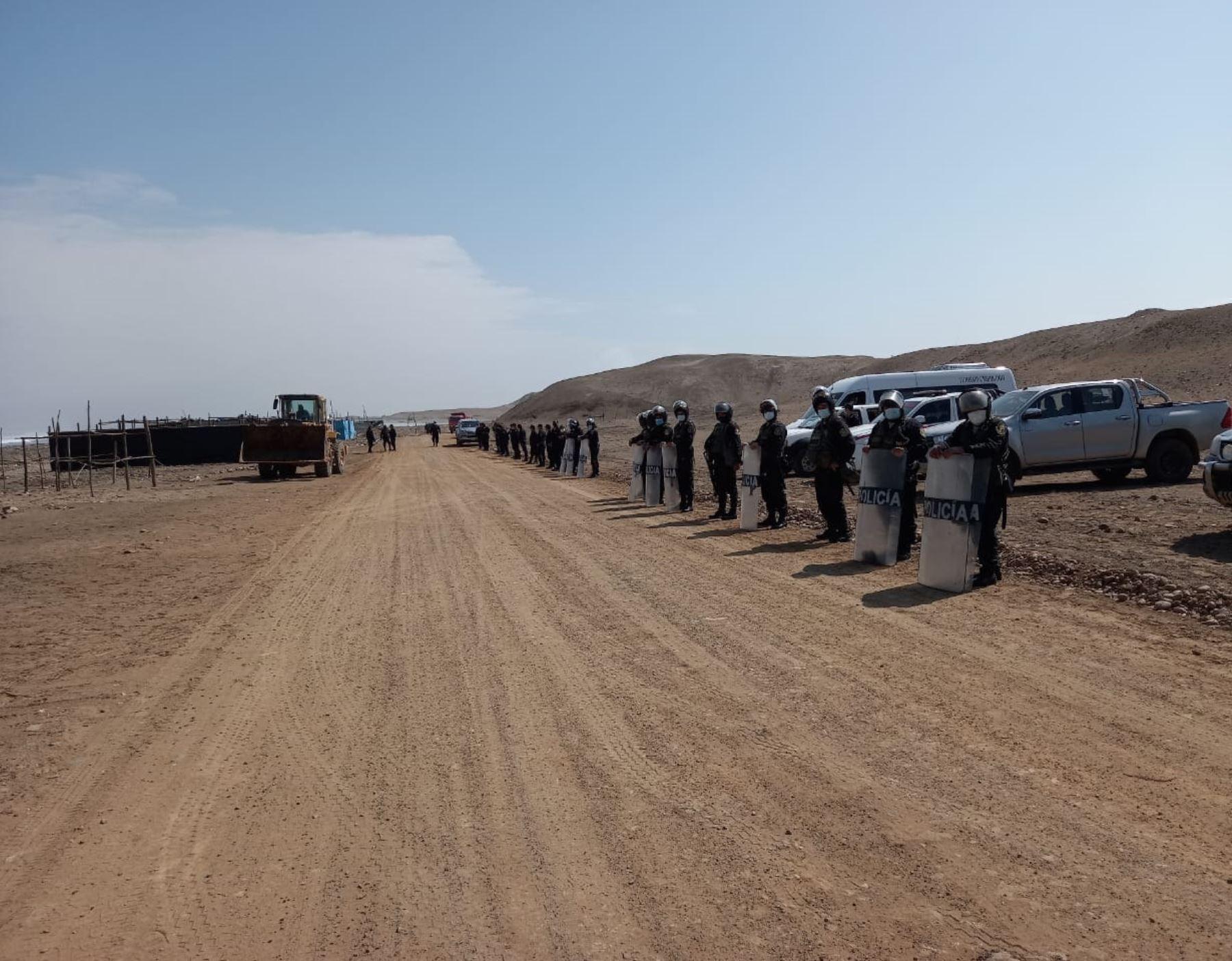 Autoridades de La Libertad retiraron a los invasores que habían ocupado terrenos del complejo arqueológico El Brujo, ubicado en la provincia de Ascope.