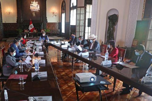 Presidente Sagasti, sostuvo nueva reunión de trabajo con la Comisión Especial covid -19 del Congreso
