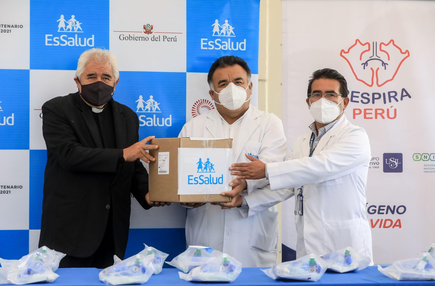 Respiradores serán distribuidos a los hospitales Sabogal y Negreiros, ambos del Callao, segunda región del país con más casos de coronavirus. Foto: ANDINA/EsSalud