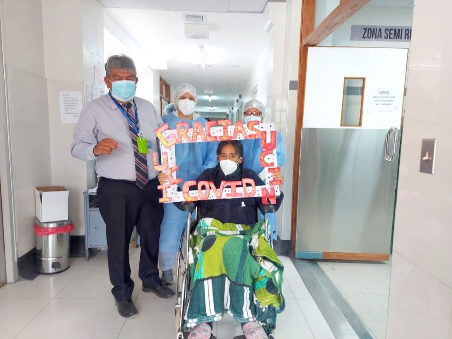 Médicos del Hospital Regional del Cusco supervisan la recuperación de gestante que venció al covid-19 luego de superar la etapa crítica. Foto: ANDINA/difusión.