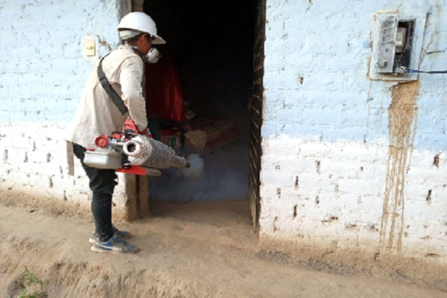 En lo que va del presente año, la Gerencia Regional de Salud Lambayeque reporta 102 casos acumulados de dengue, distribuidos en Ciudad Eten (14), Pomalca (1), José L. Ortiz (2), Ferreñafe (3), Olmos (15), Túcume (1) y Motupe (66).