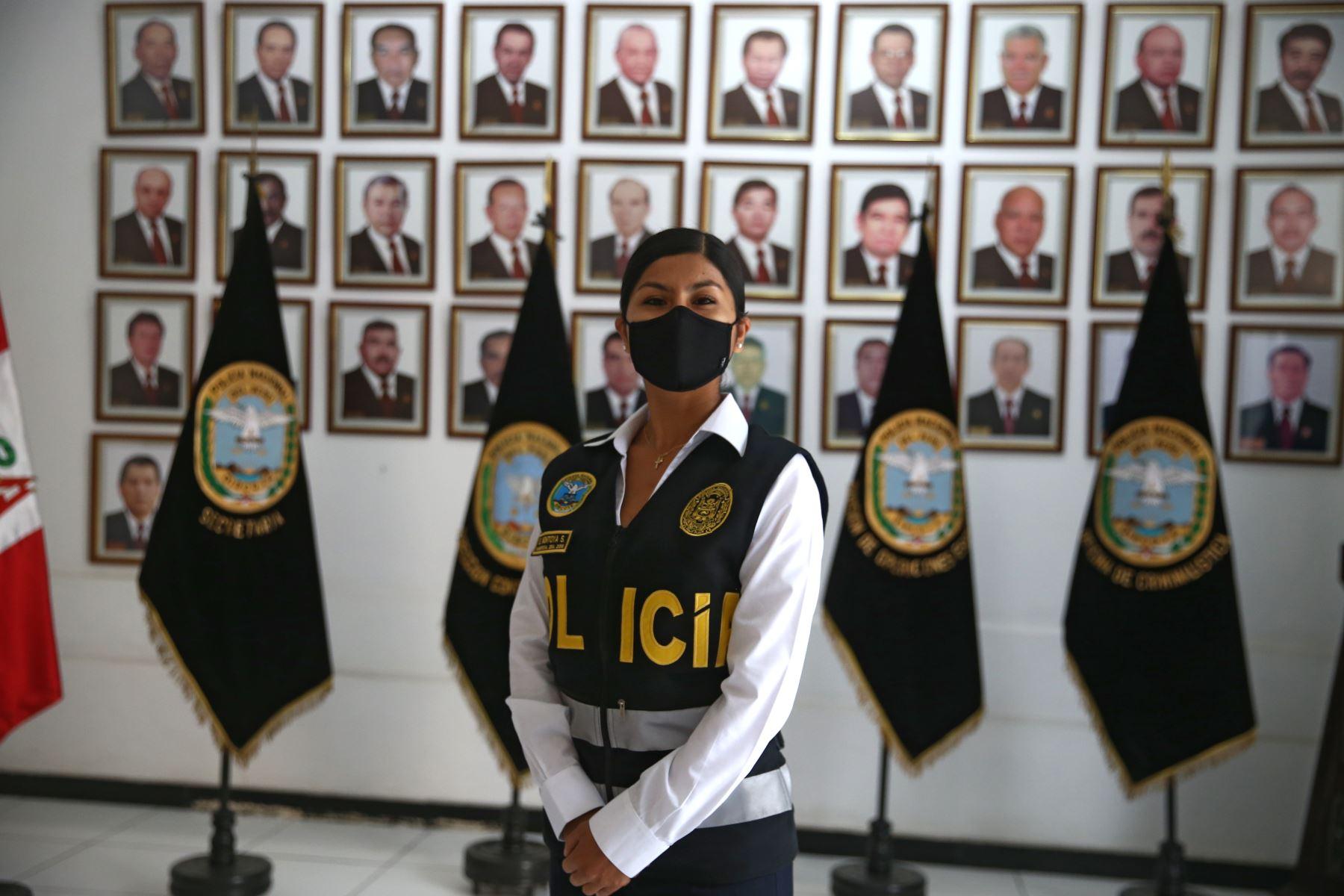 Sabina Montoya Salazar, Sub Oficial de segunda Contra el terrorismo. Foto:ANDINA/Vidal Tarqui