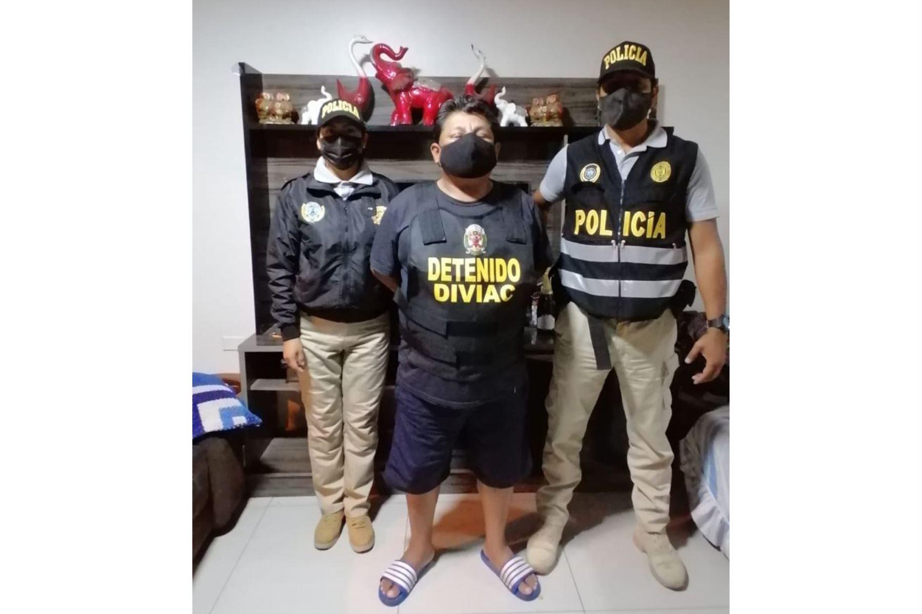En un nuevo megaoperativo, más de 300 efectivos de la Policia Nacionalo del Perú y 20 representantes de la Fiscalía capturaron a 10 integrantes de la organización criminal Los Ligeros del Sur, quienes se dedicaban al robo de vehículos y extorsión en Lima Metropolitana. Foto: Mininter