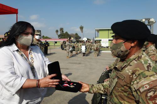 Ministra de Defensa reconoció a miembros de FF. AA. que participaron en Operación Ojo de Águila
