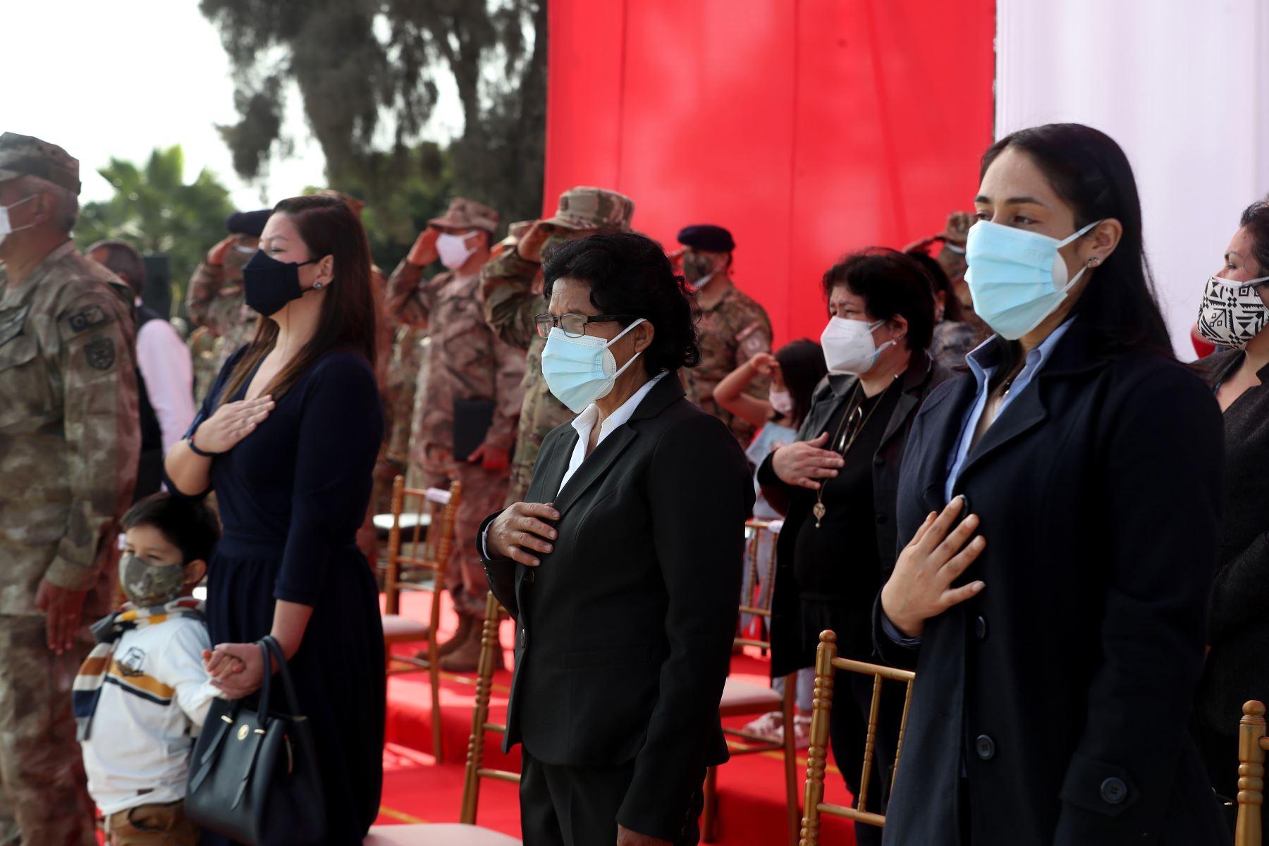 La ministra de Defensa, Nuria Esparch, participó en ceremonia de distinción a los valientes miembros de las Fuerzas Armadas que demostraron valor y sacrificio durante la operación Ojo de Águila. Foto: ANDINA/Mindef
