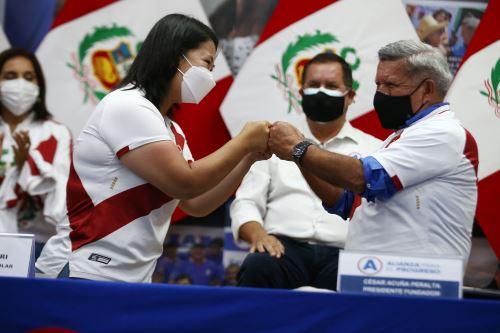 El encuentro de Fujimori y Acuña tuvo lugar en el local limeño del partido APP.  Foto: ANDINA/Vidal Tarqui.