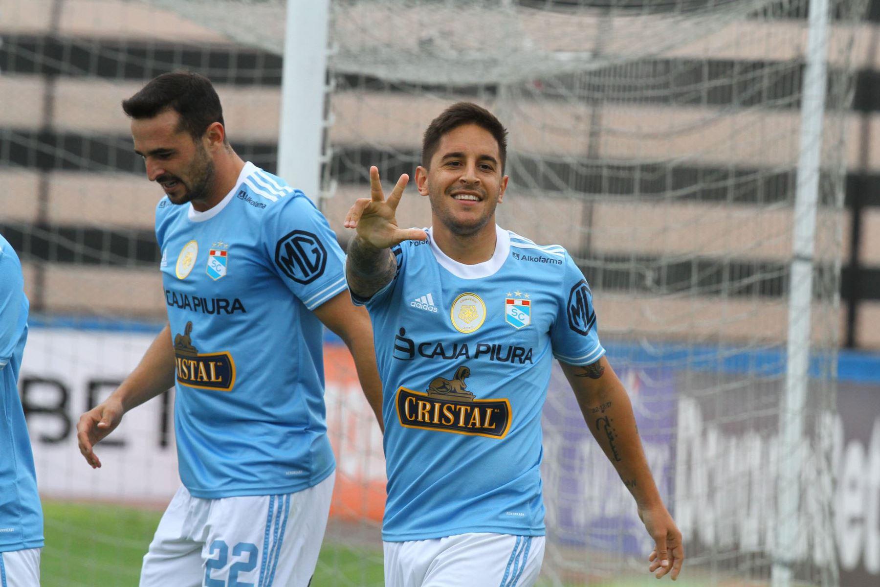 Alejandro Hohberg de Cristal celebra su gol ante el Cusco F.C  por la séptima  fecha de la fase 1, en el estadio Miguel Grau .  Foto: @LigaFutProf