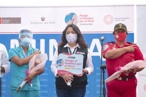 """La presidenta del Consejo de Ministros preside la campaña """"Pongo el Hombro"""" para incentivar la vacunación a nivel nacional"""