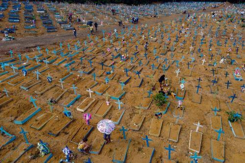 Covid-19: cifra de fallecidos aumenta a 3.294.812 en todo el mundo