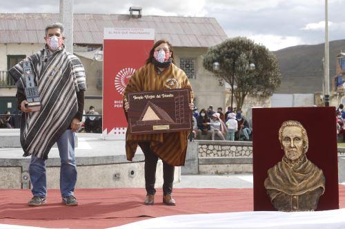 El ministro de Cultura, Alejandro Neyra, encabezó la ceremonia celebrada en la plaza Simón Bolívar de la comunidad campesina de Villa de Pasco. Foto: ANDINA/Difusión