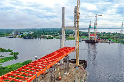 El ministro de Transportes y Comunicaciones supervisó  los trabajos que se ejecutan en el puente Nanay  en la región Loreto