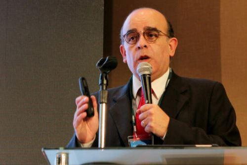 El viceministro de Gestión Ambiental, Mariano Castro, saludó la aprobación del proyecto de ley contra la contaminación lumínica.