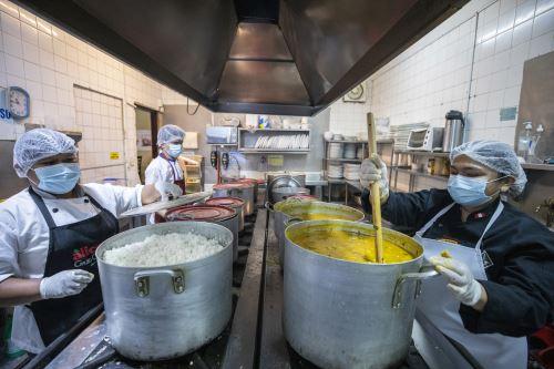 """MML y el proyecto """"Comida para Todos"""" entregan comida a ollas comunes de San Juan de Lurigancho"""