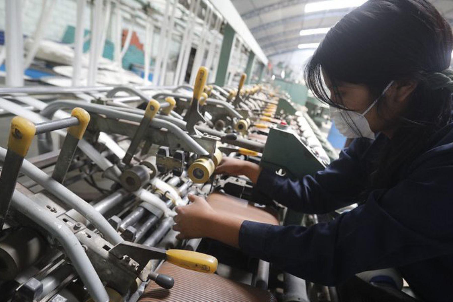 Costos de producción de las empresas disminuyen cuando se aplican normas técnicas