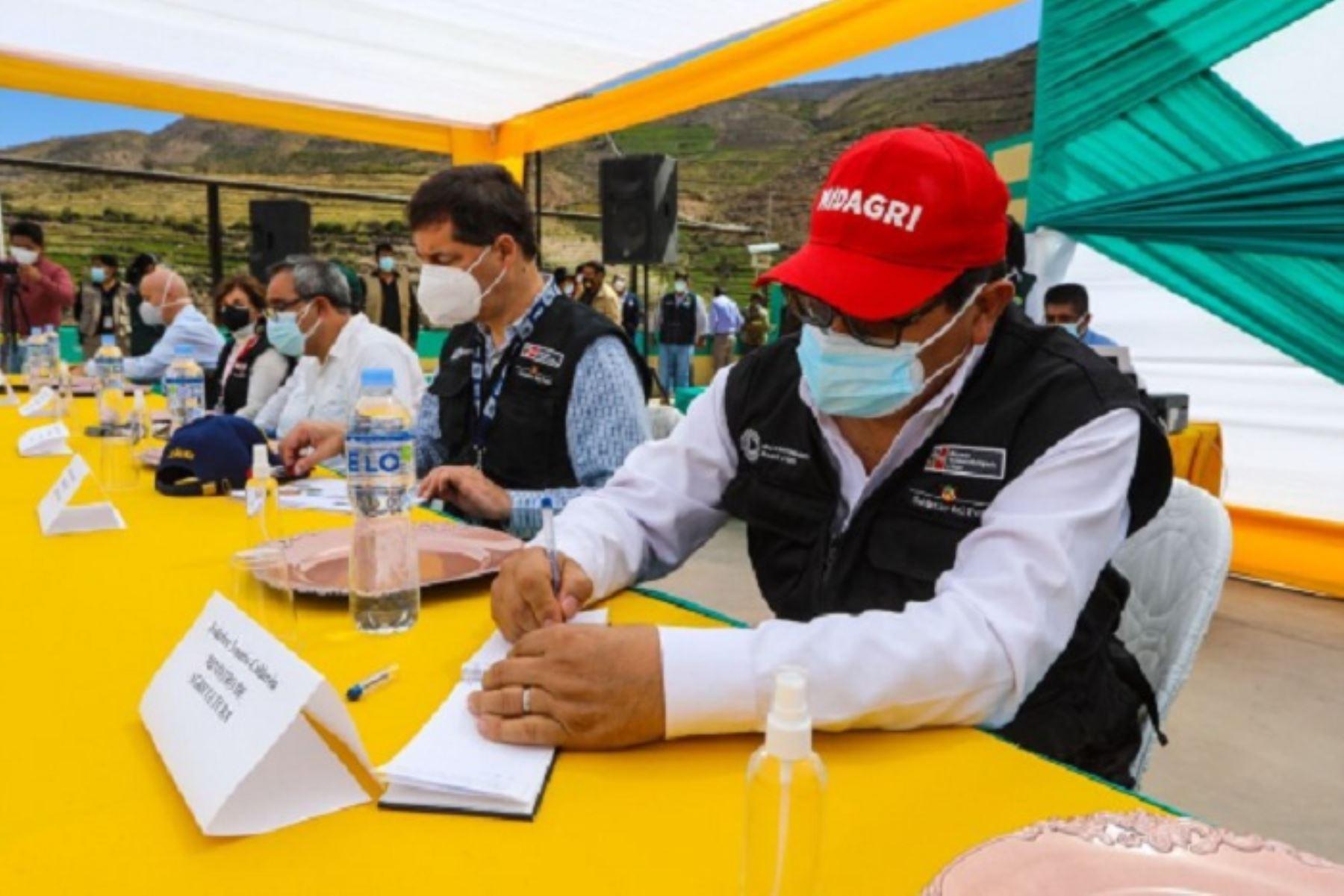 El ministro Federico Tenorio arribó a la provincia tacneña en su calidad de presidente de la mesa de diálogo de Candarave.