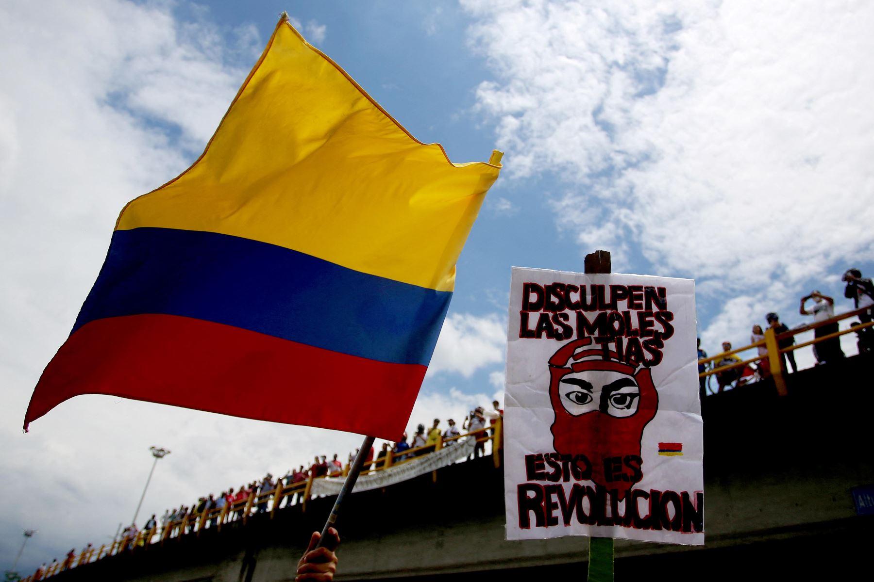 Las protestas, que comenzaron el 28 de abril contra la ya extinta reforma fiscal, se han cobrado 42 víctimas mortales (41 civiles y un policía). Foto: AFP