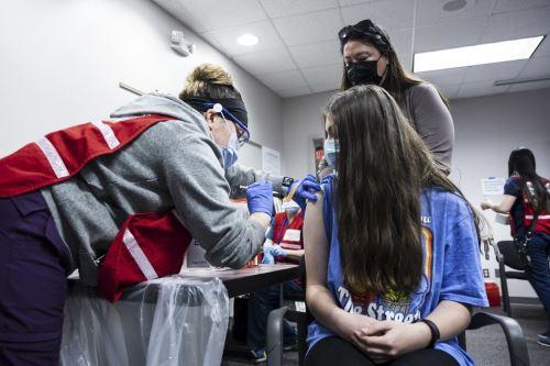 Covid-19: Estados Unidos comienza a vacunar a adolescentes de entre 12 y 15 años
