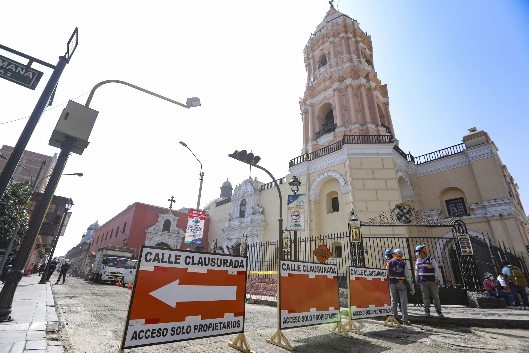 El alcalde de Lima, Jorge Muñoz, supervisa los trabajos de peatonalización del Centro Histórico. Foto: ANDINA/Municipalidad de Lima