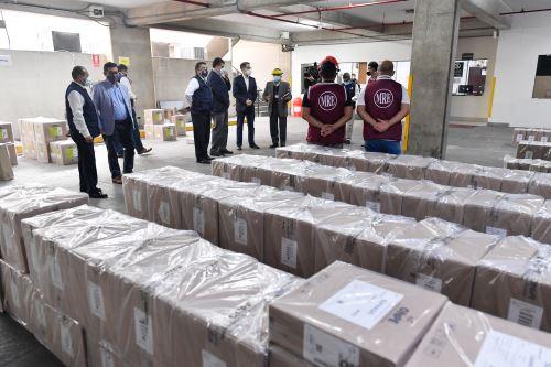 Onpe entrega de material electoral a Cancillería del Perú  para sufragio de peruanos en el extranjero