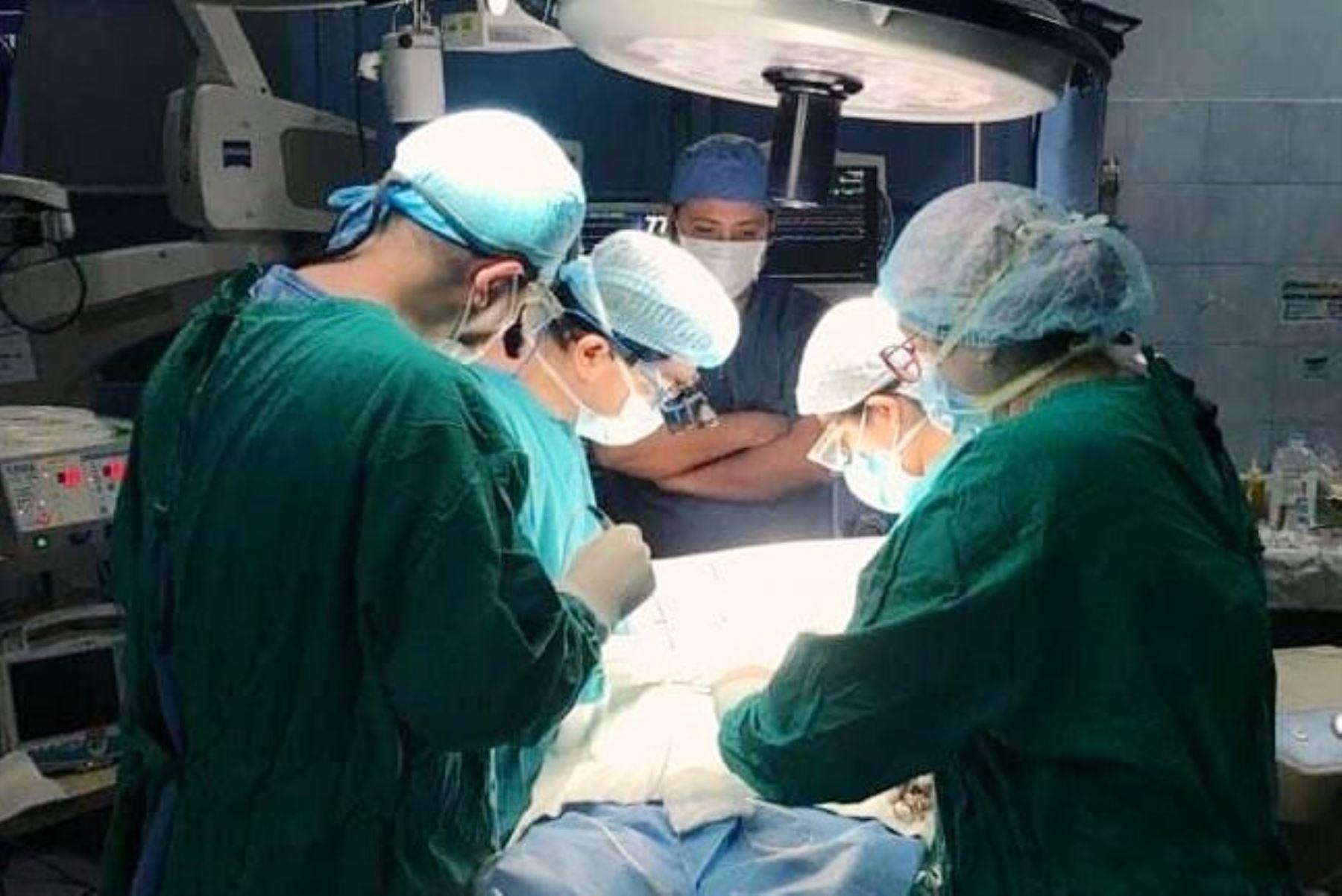 Minsa: salvan vida de obrero con cirugía de corazón de alta complejidad