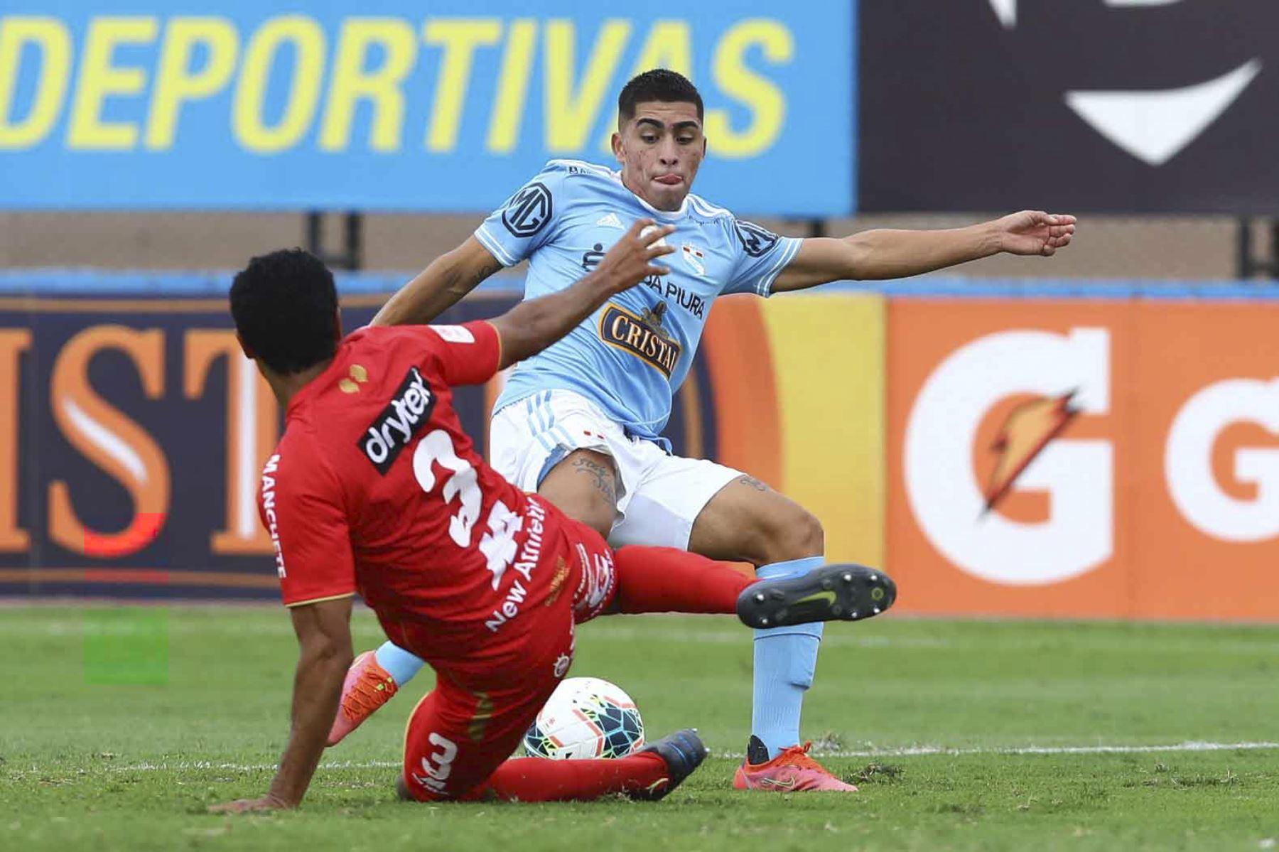 Sporting CristalySport Huancayose enfrentan por la octava y penúltima fecha del grupo B de la fase 1 de laLiga 1. El duelo se disputa en el estadio Miguel Grau del Callao. Foto: Liga 1