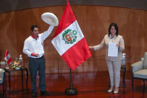 Keiko Fujimori y Pedro Castillo asumen compromiso con Proclama Ciudadana