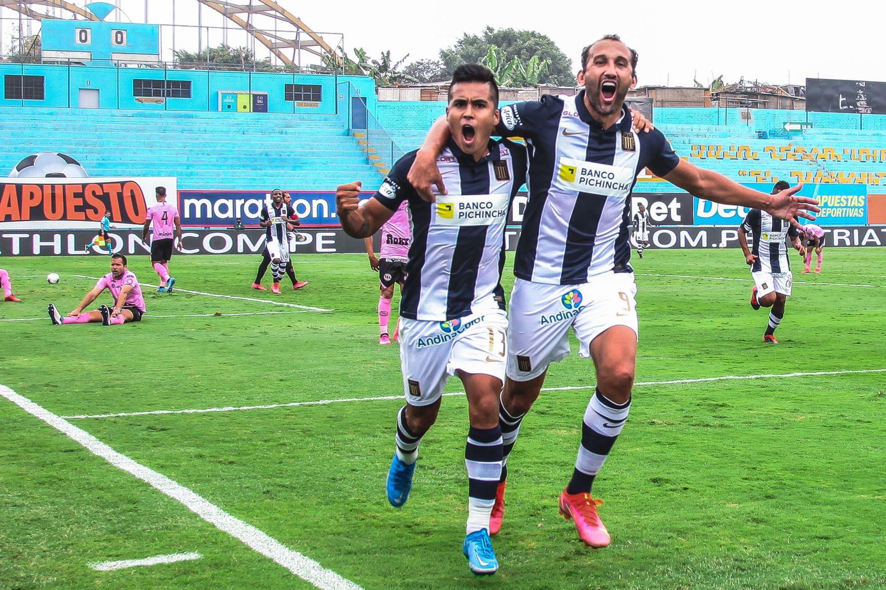 Hernán Barcos de  Alianza Lima celebra su gol anotado ante el club Sport Boys por la octava fecha de la Fase 1 de la Liga 1 Betsson en el estadio Alberto Gallardo.  Foto: Alianza Lima