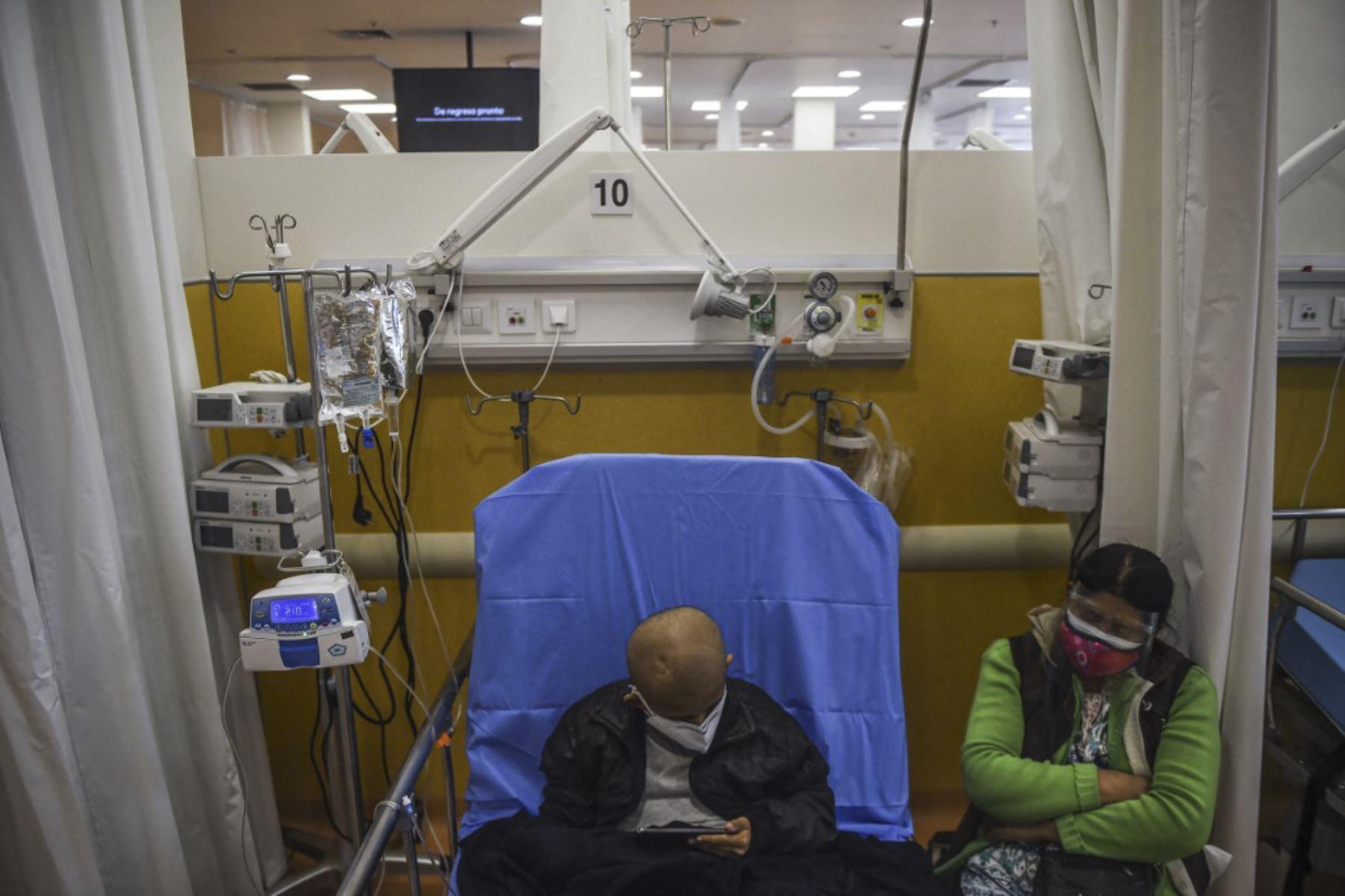 Latinoamérica suma 39.961.704 de casos y 984.378 muertos por covid-19 en toda la región. Foto: AFP