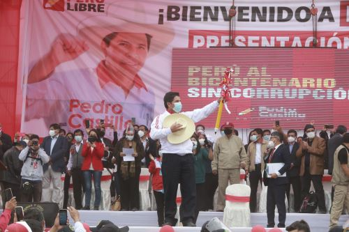Candidato presidencial Pedro Castillo presenta equipo técnico