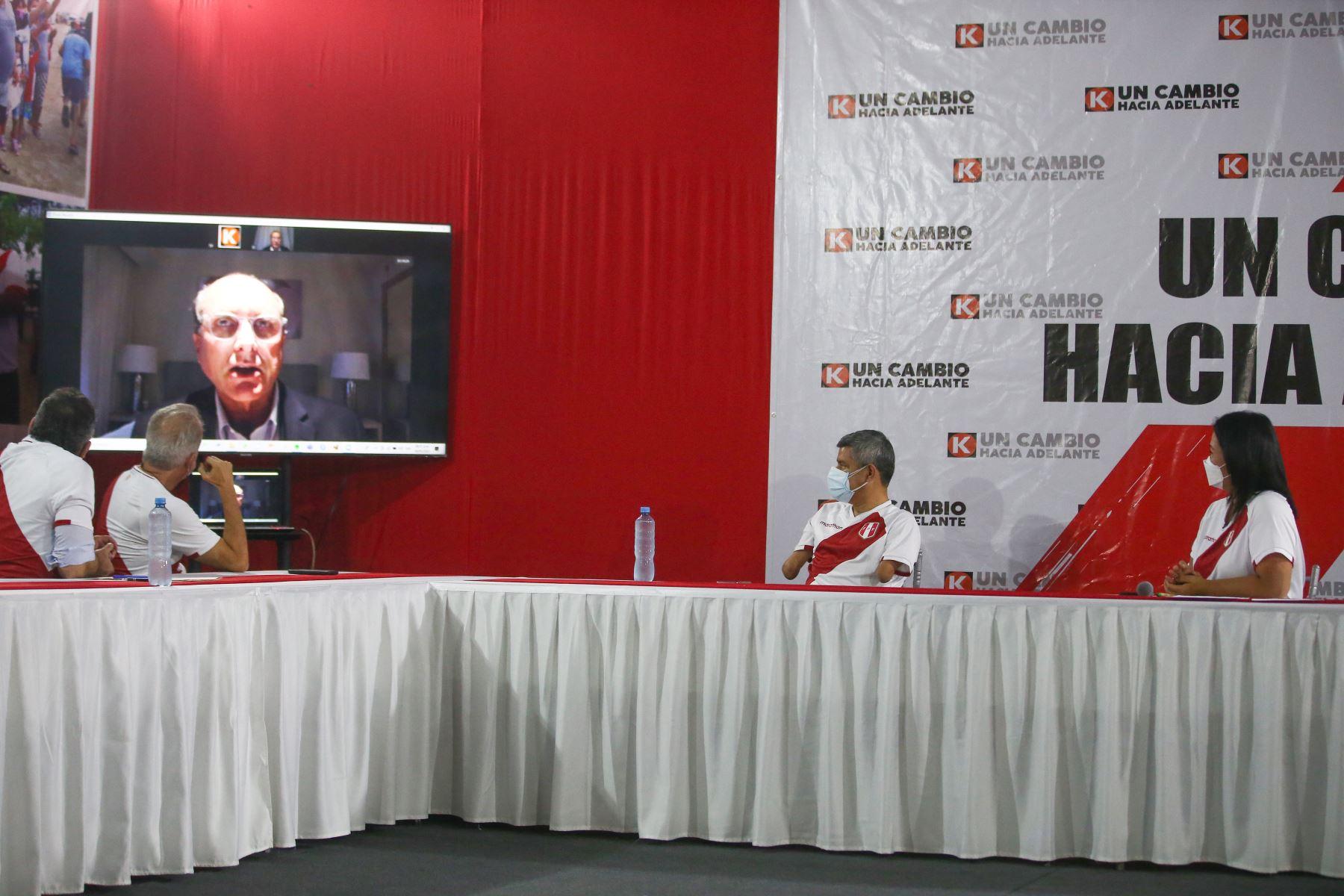 Keiko Fujimori, candidata a la presidencia por Fuerza Popular, presenta equipo técnico. Foto: ANDINA/Tarqui Vidal