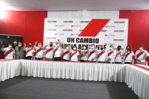 Candidata presidencia Keiko Fujimori presenta equipo técnico