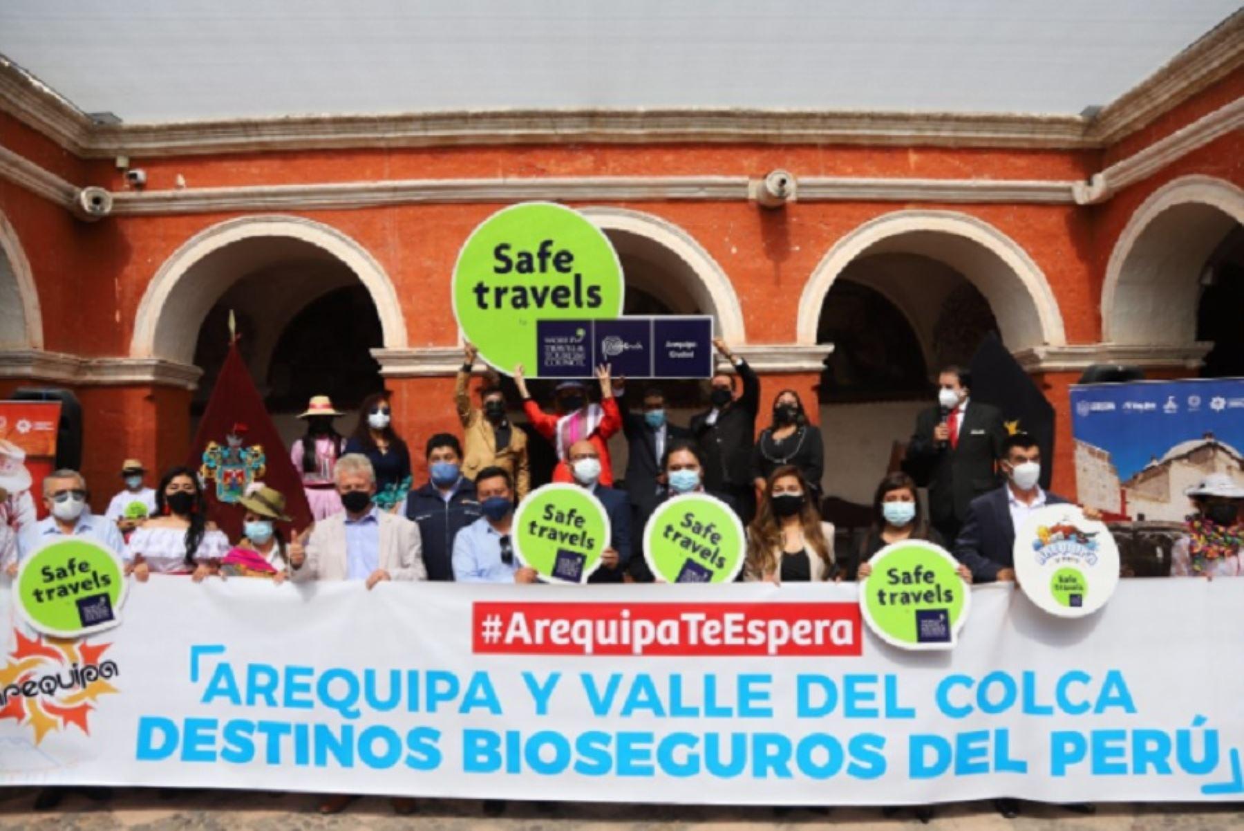 El Ministerio de Comercio Exterior y Turismo (Mincetur) entregó el sello internacional Safe Travels a dos destinos turísticos de la región Arequipa. Se tratan del Destino Arequipa Ciudad y el Destino Valle y Cañón del Colca, los cuales se encuentran calificados, a partir de hoy, como seguros ante el covid-19.