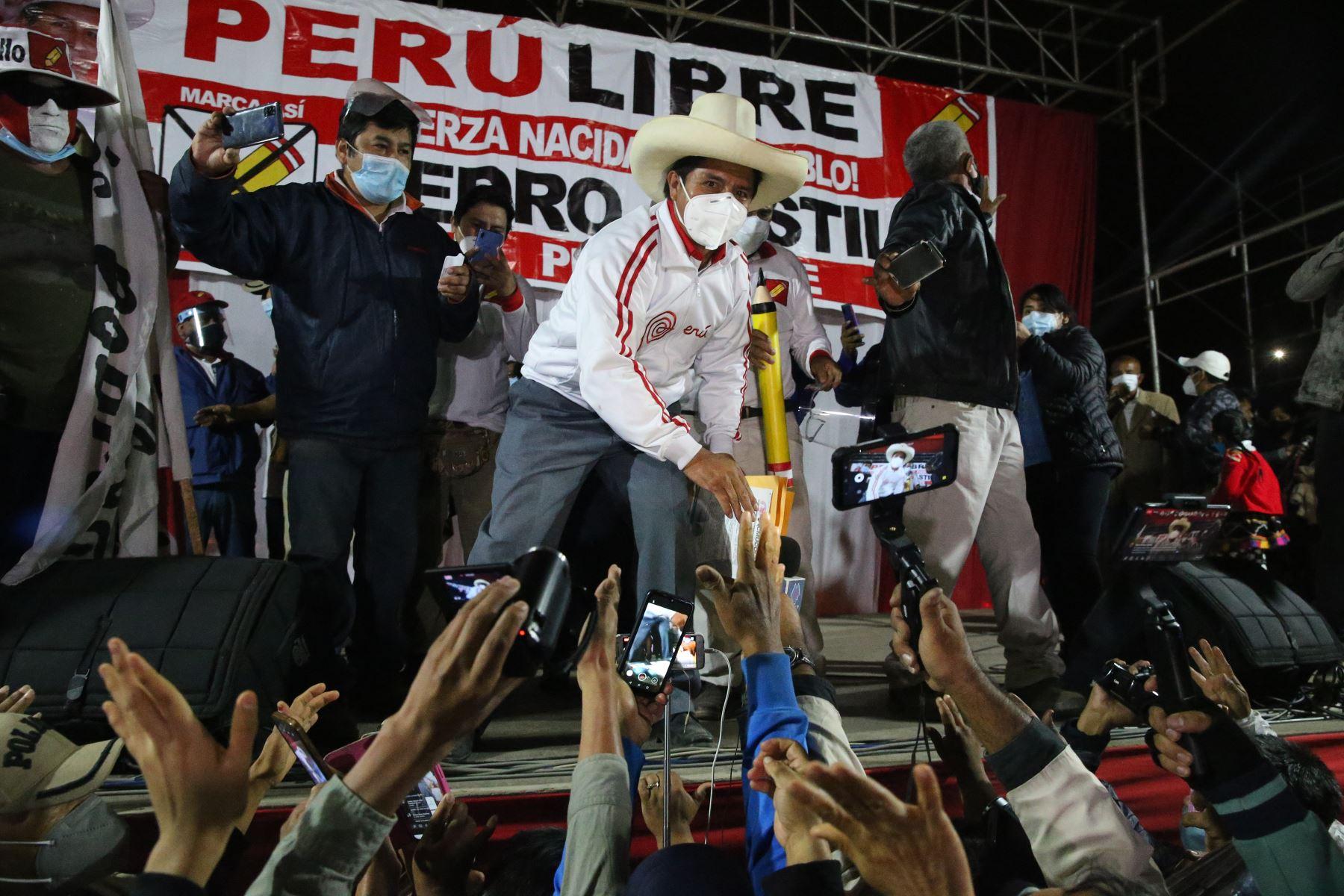 Mitin de Pedro Castillo en el estadio Pueblo Nuevo en Chincha Alta. Foto: ANDINA/Eddy Ramos