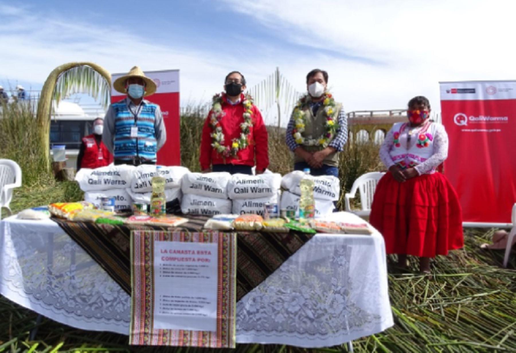 En el marco de la emergencia sanitaria y a solicitud del Ministerio de Cultura, el Ministerio de Desarrollo e Inclusión Social (Midis), a través del Programa Nacional de Alimentación Escolar Qali Warma, entregó 15.54 toneladas de alimentos a un total de 152 comunidades nativas de los Uros pertenecientes a los distritos de Puno y Huata en la provincia de Puno.