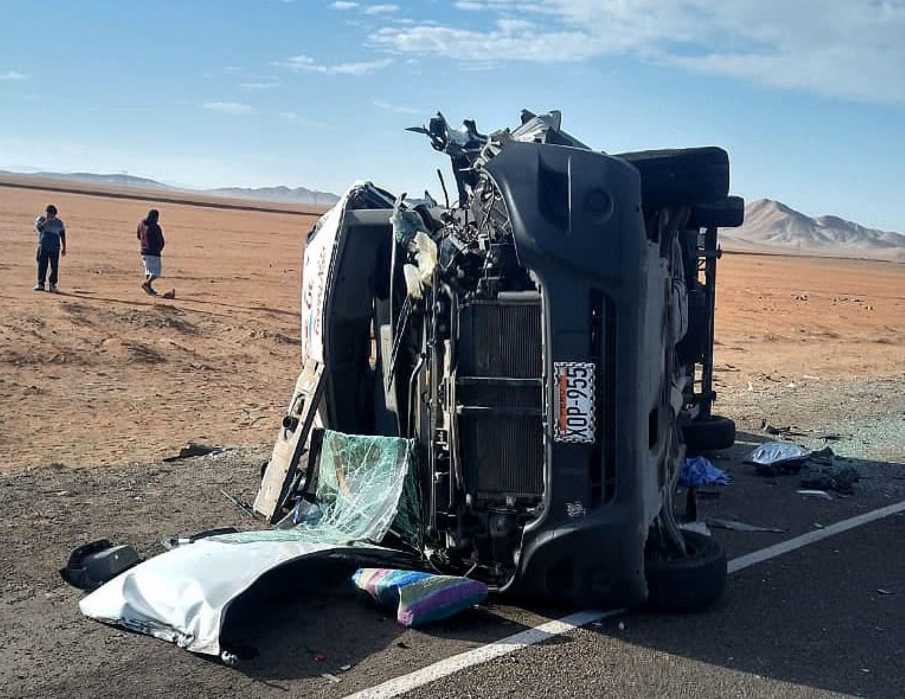 Identifican a las cinco víctimas mortales del accidente de tránsito en Arequipa. Foto: Facebook/Clic.