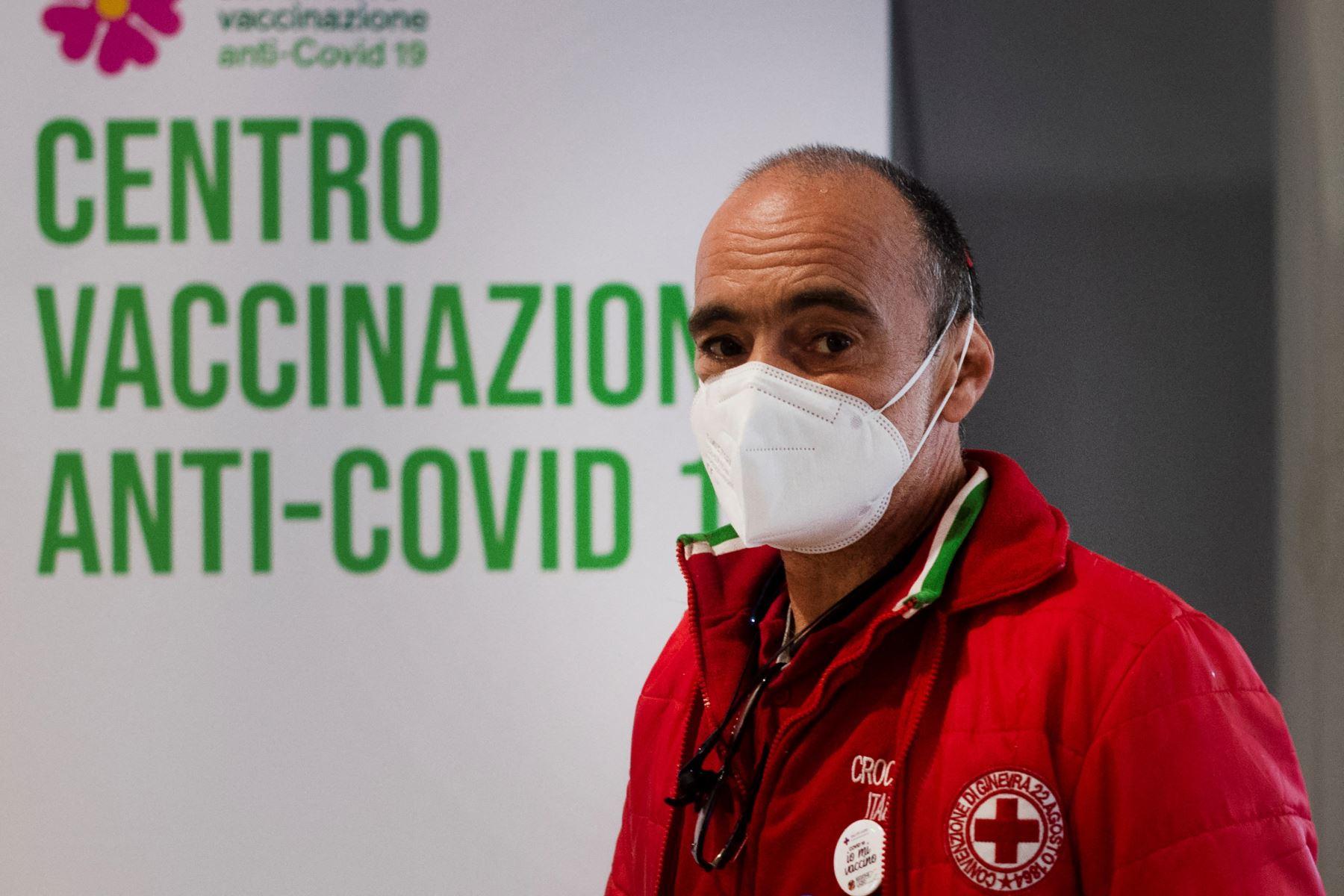Hasta el viernes, la región de América Latina y el Caribe sumaba más de un millón de muertos y 32,5 millones de contagios por covid-19. Foto: AFP