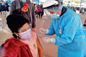 El ministro de Salud, Oscar Ugarte, confirmó hoy que la vacunación contra el covid-19 a las personas de 58 y 59 años de edad se iniciará el próximo viernes 25 de junio. ANDINA/ Minsa