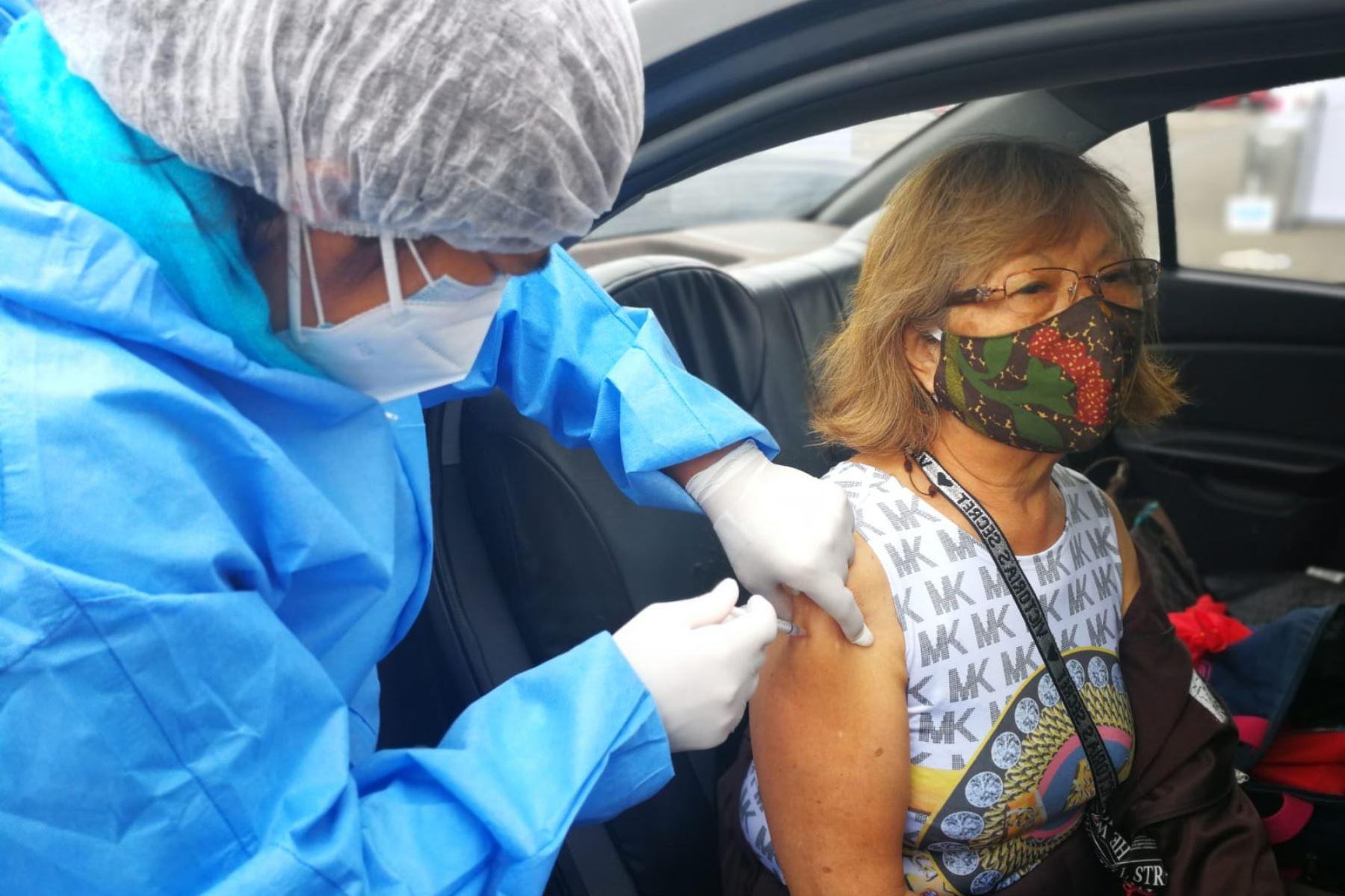 Covid-19: 73% de mayores de 60 años ya está inmunizado con las dos dosis de la vacuna