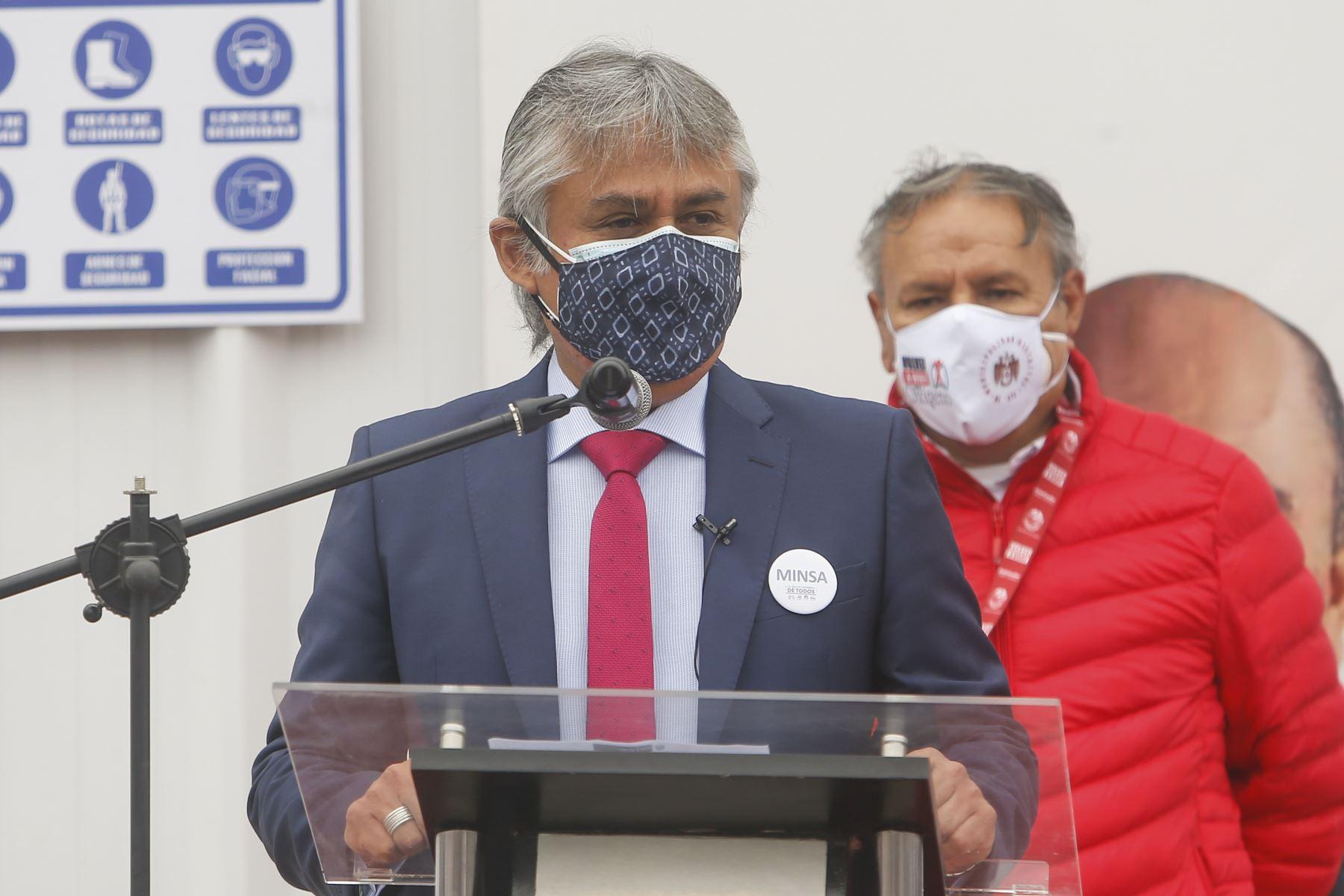 Viceministro del Minsa, Bernardo Ostos, encabeza brigada médica que vijaó hoy a Arequipa para fortalecer lucha contra la covid-19. ANDINA/Difusión