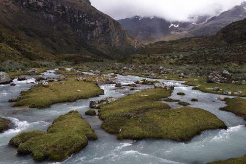 Riachuelo en las alturas del interior del país. Foto: ANDINA/Difusión.