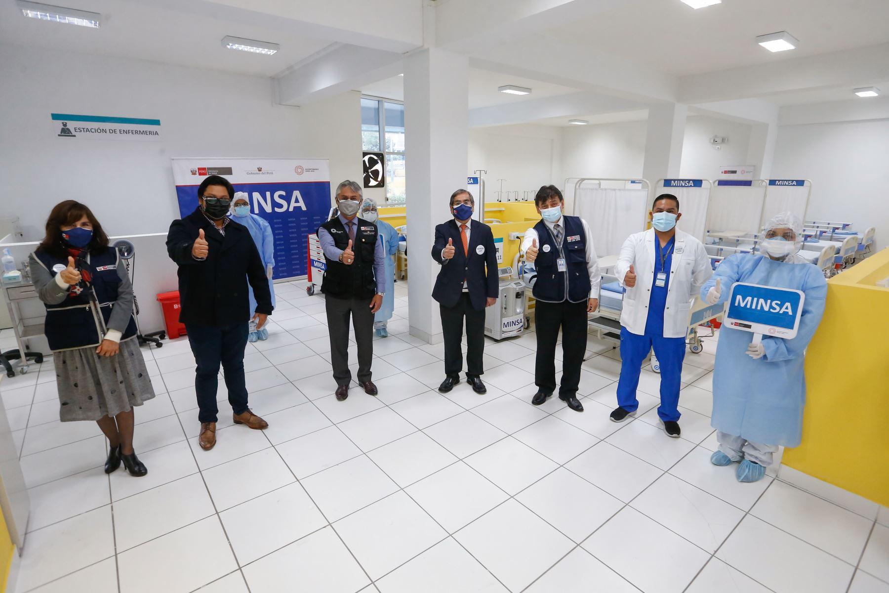 Ministro de Salud, Oscar Ugarte participa en la inauguración del Centro de Atención Temporal - CAT La Ensenada en el distrito de Puente Piedra. Foto: Minsa