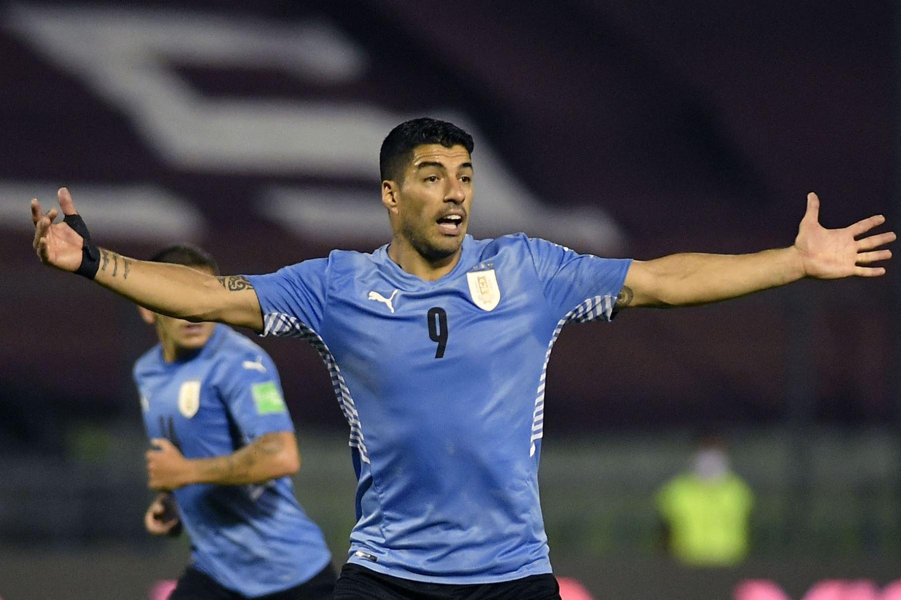 El uruguayo Luis Suárez gesticula durante el partido clasificatorio sudamericano de fútbol para la Copa Mundial de la FIFA Qatar 2022 contra Venezuela en el Estadio Olímpico de la UCV en Caracas. Foto: AFP