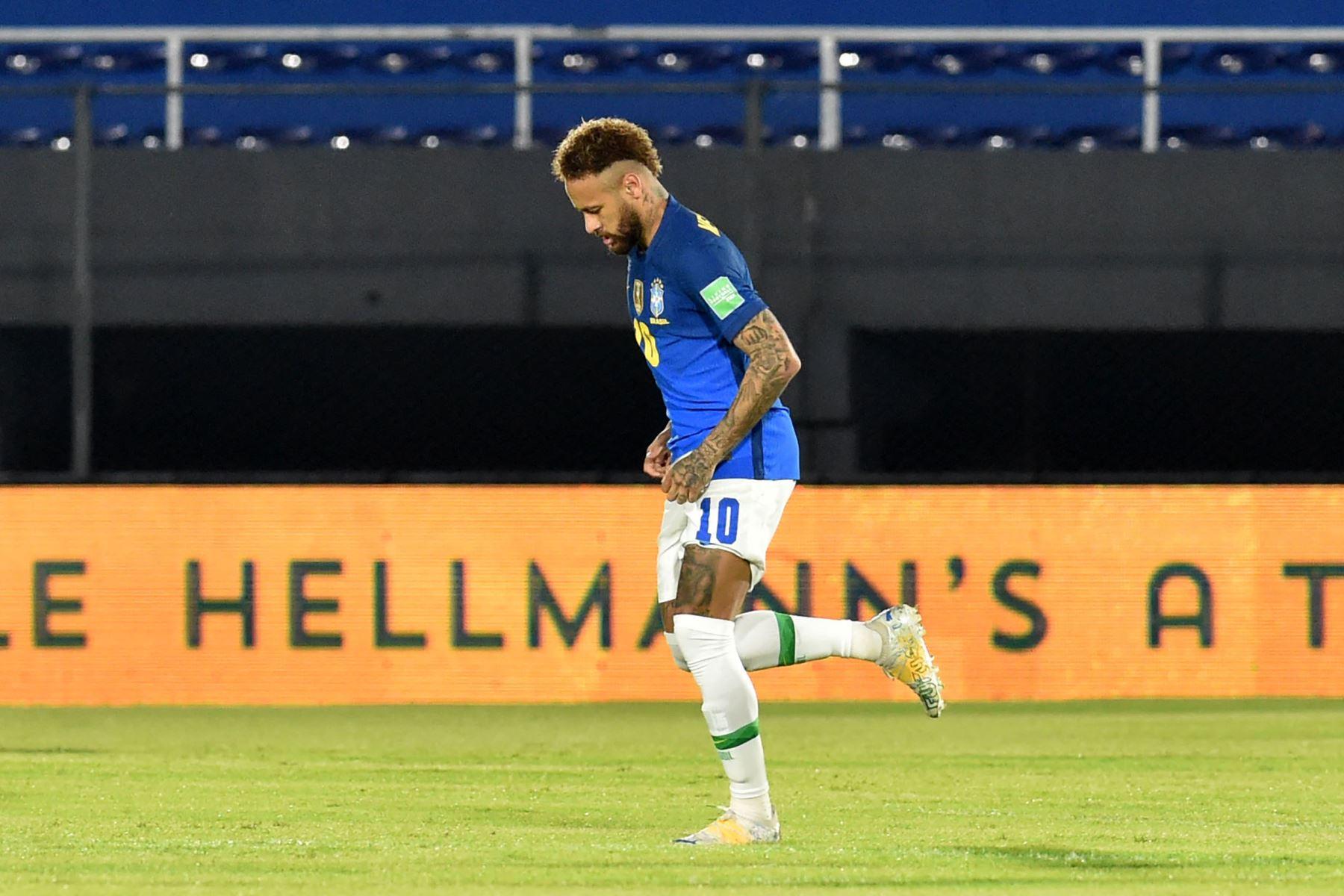 El brasileño Neymar celebra tras anotar contra Paraguay durante el partido de clasificación sudamericano para la Copa Mundial de la FIFA Qatar 2022 en el Estadio Defensores del Chaco en Asunción. Foto: AFP