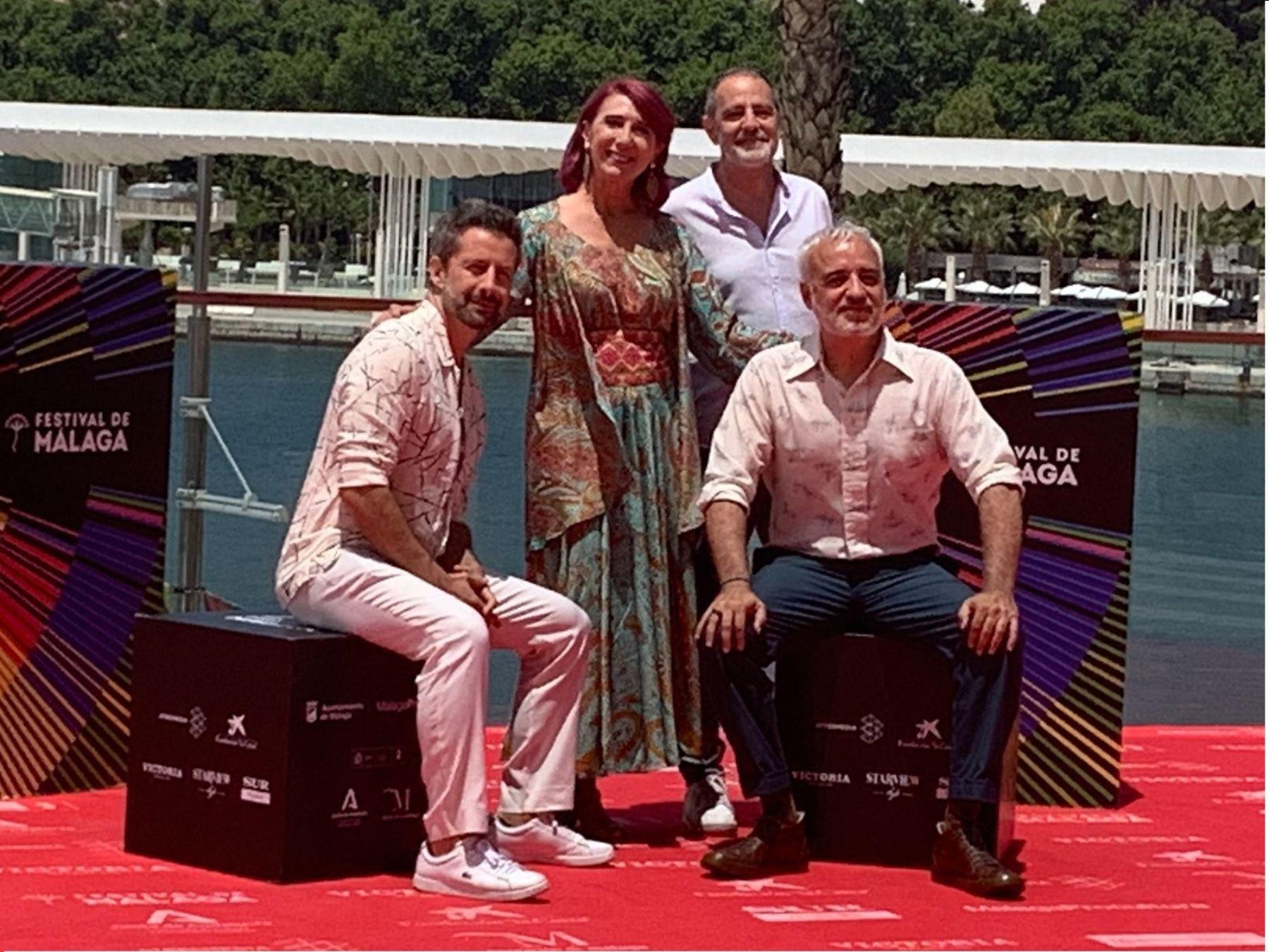 """Cinta """"Las mejores familias"""" se presenta en Festival de Málaga."""