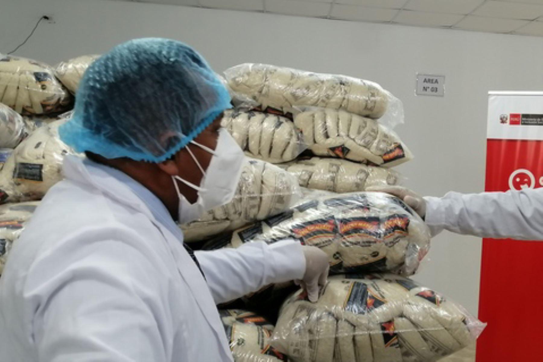 La cuarta entrega de alimentos contempla 123 toneladas para los niños de inicial y primaria de la región Tumbes. Foto: ANDINA/Midis